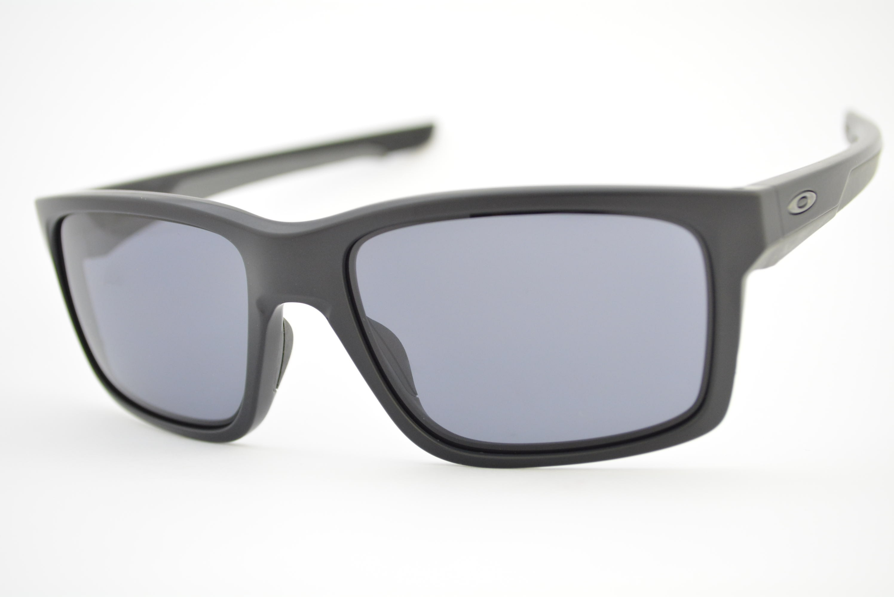 b3aac67186068 óculos de sol Oakley mod Mainlink matte black w grey 009264-01 Ótica ...