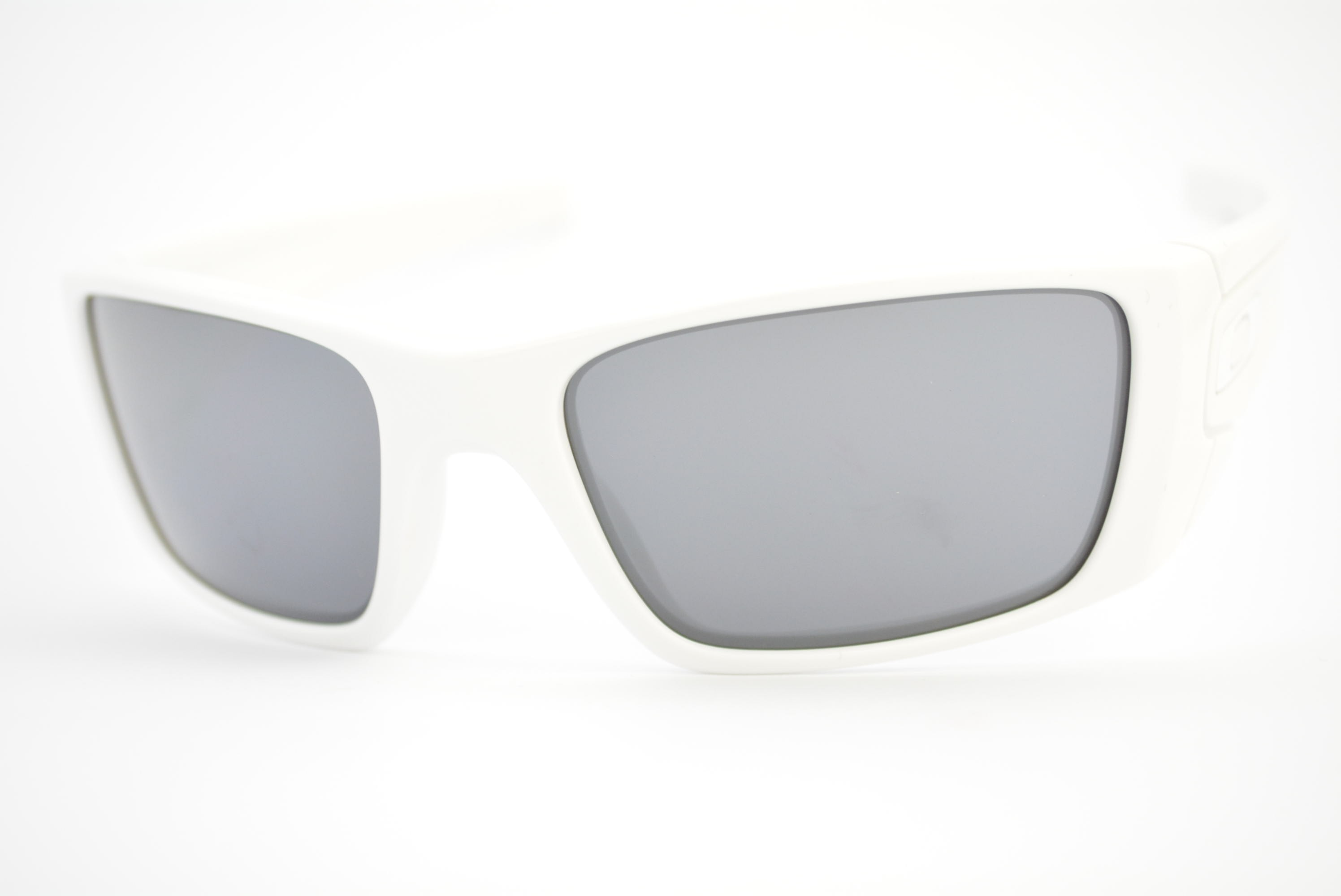 óculos de sol Oakley mod Fuel Cell polished white 009096-03 Ótica ... 0043d8be30