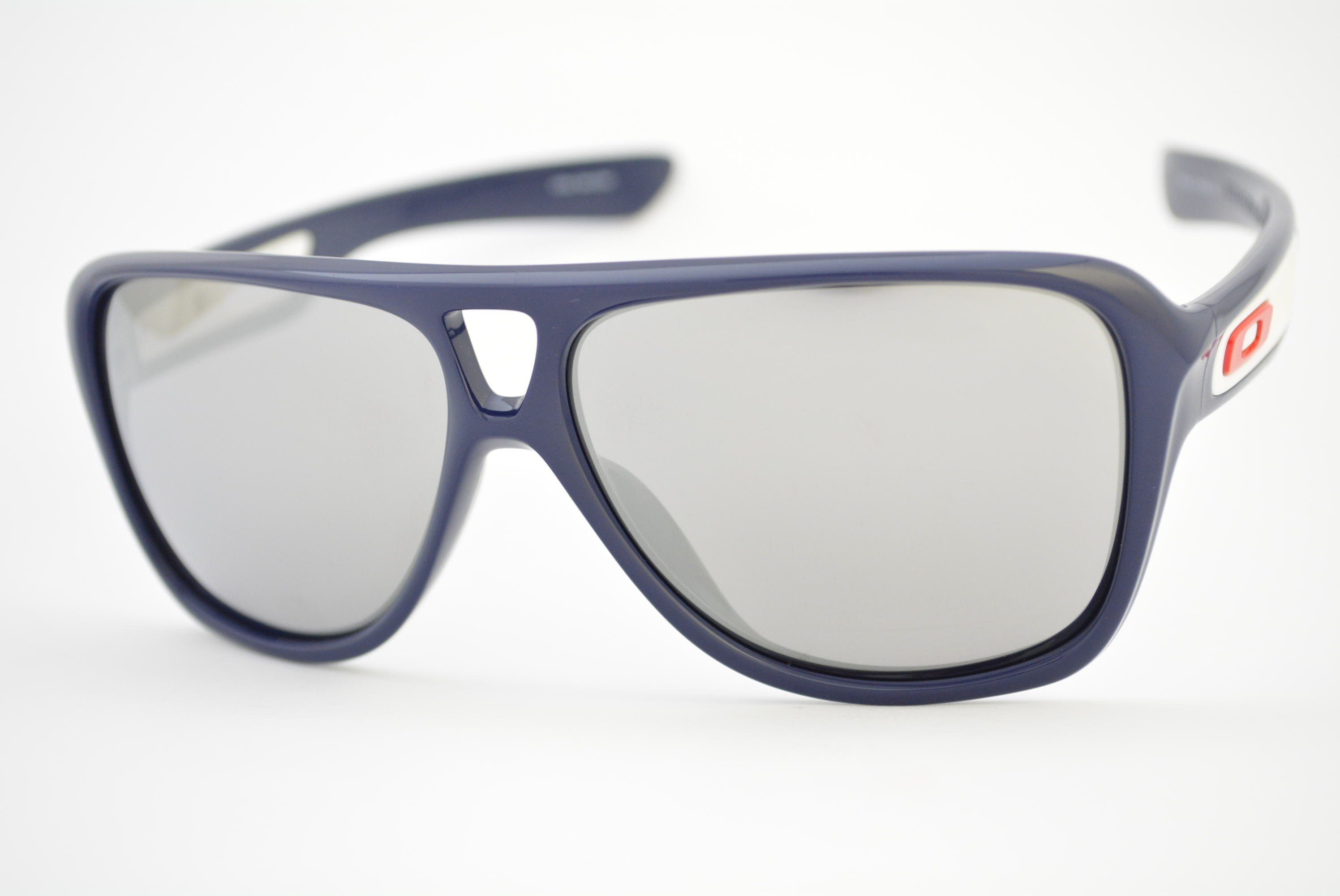 fc41c18df8fa4 óculos de sol Oakley mod Dispatch II polished navy w chrome iridium  009150-02